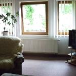 Wohnzimmer mit Satelliten-TV